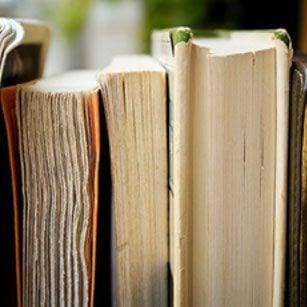 books 1850645 640 crop u122046 - Atrezzo.